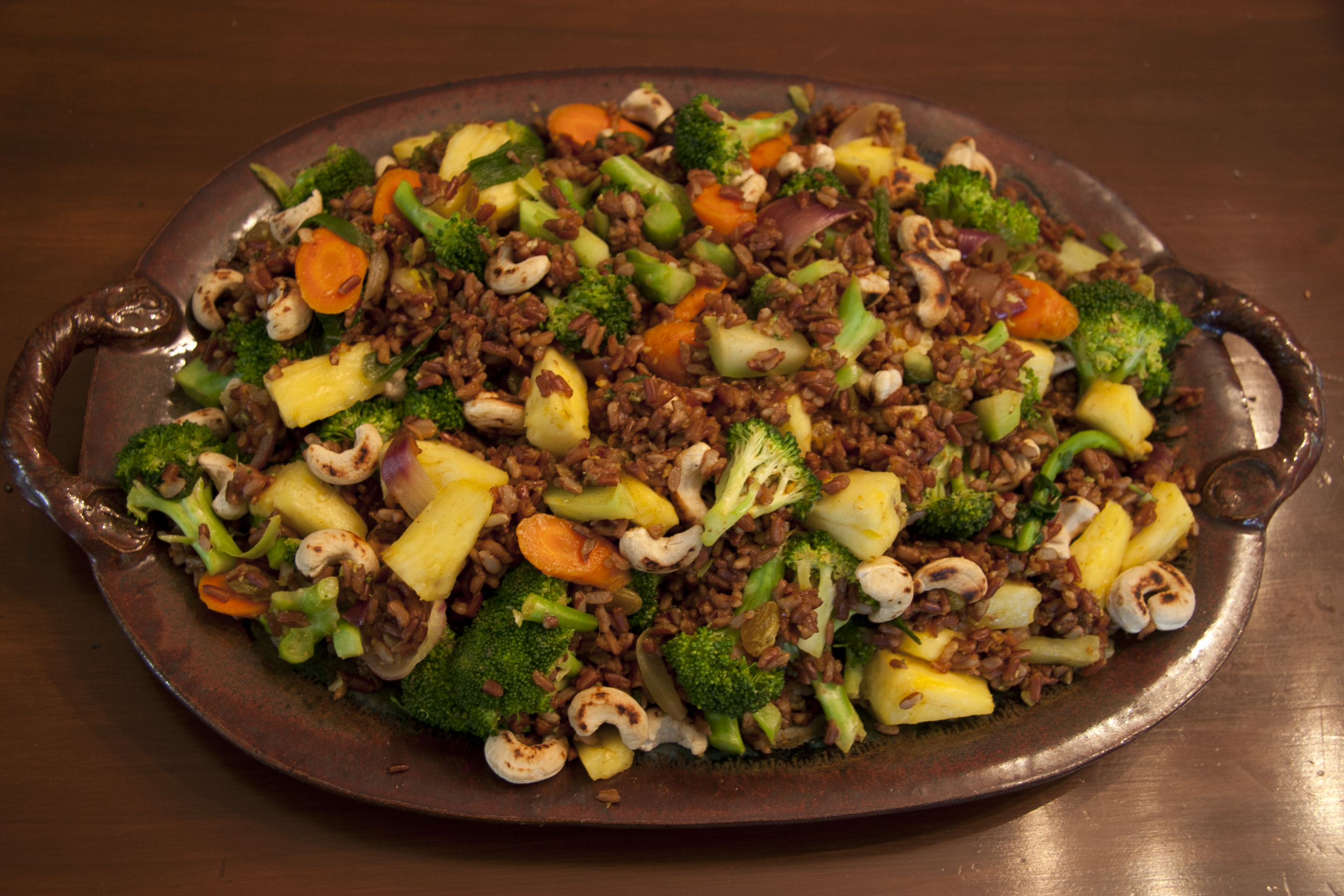 Pineapple Stir-fry with Red Rice
